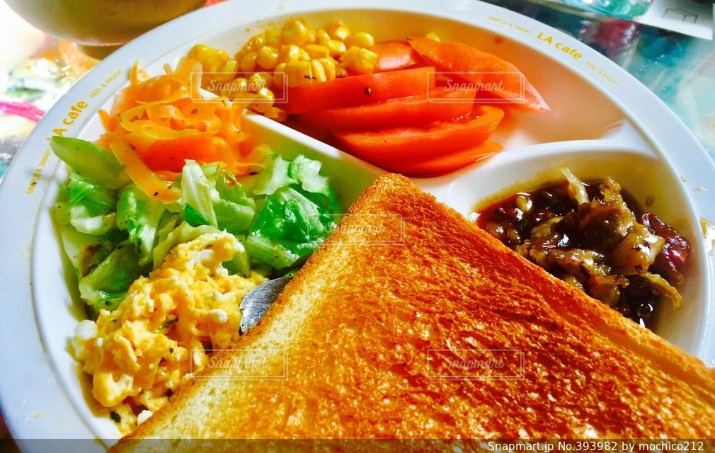おうちごはん,晴れ,トマト,野菜,トースト,サラダ,卵,ヘルシー,ブランチ,朝ご飯,ベジタブル