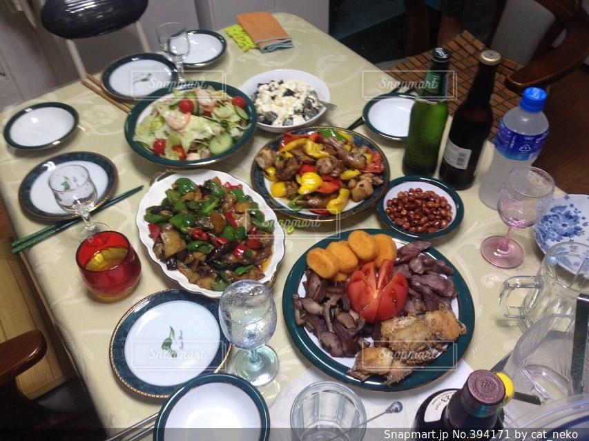 家族,家庭料理,食卓,おかず,ご飯,料理,中国,中華,パーティー,東北料理