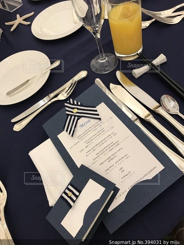 花束,結婚式,花嫁,テーブル,オシャレ,リボン,ハンドメイド,デザイン,幸せ,リゾート,手作り,女子力,ストライプ,アレンジ,メニュー表,席次表