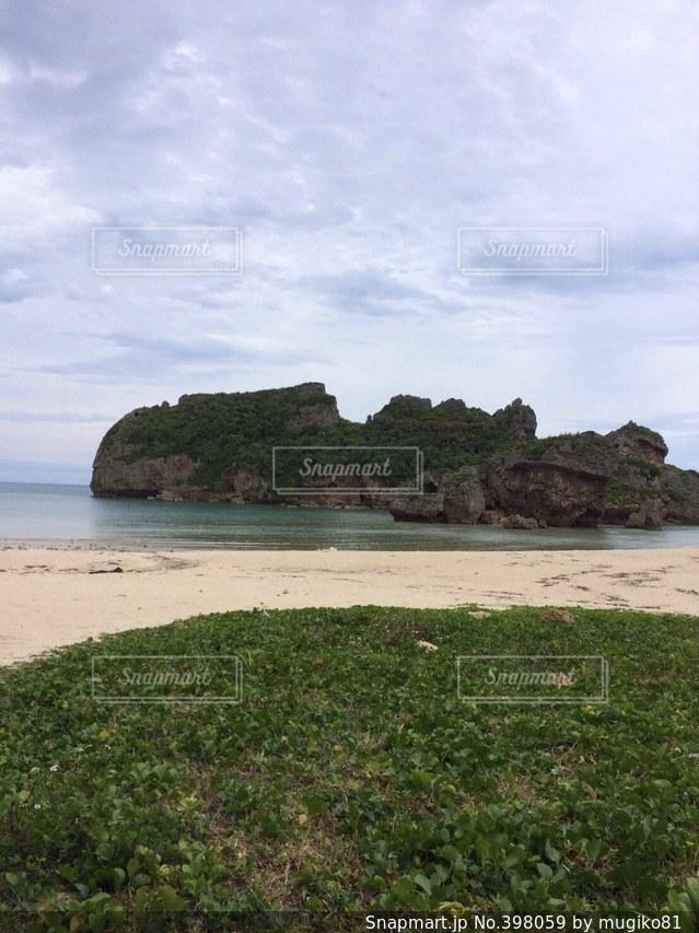 海,雲,沖縄,南の島,浜比嘉,天気悪い