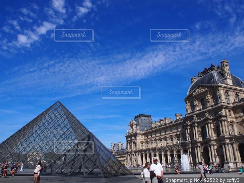 フランスといえば、、ここ!ルーブル美術館の写真・画像素材[492522]