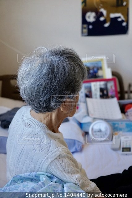 おばあちゃんの写真・画像素材[1404440]