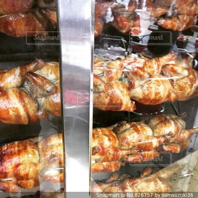 鶏の丸焼きの写真・画像素材[826757]