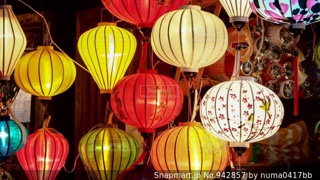 ベトナムのホイアンのランタン祭りの写真・画像素材[942857]