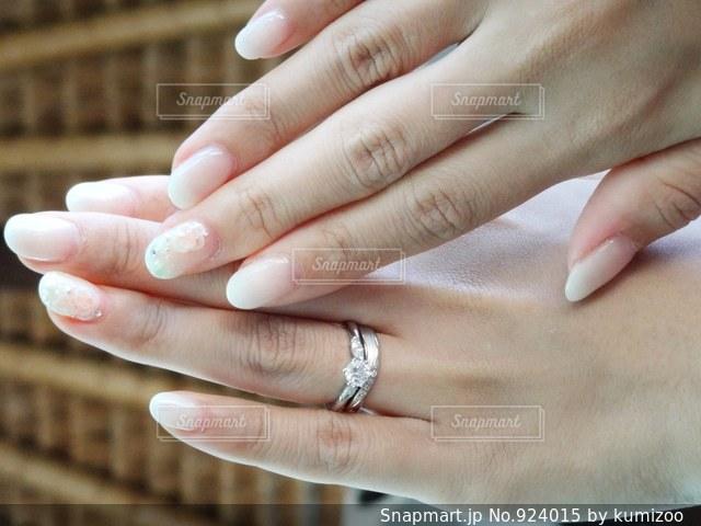 指輪とネイルの写真・画像素材[924015]