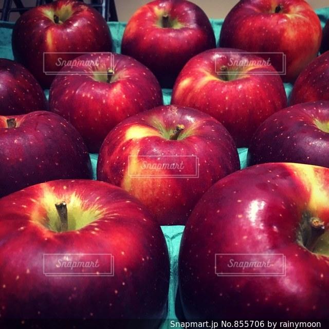 赤いリンゴの写真・画像素材[855706]