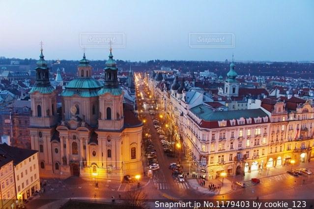 夜の街の景色の写真・画像素材[1179403]