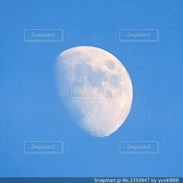 月の写真・画像素材[2350847]