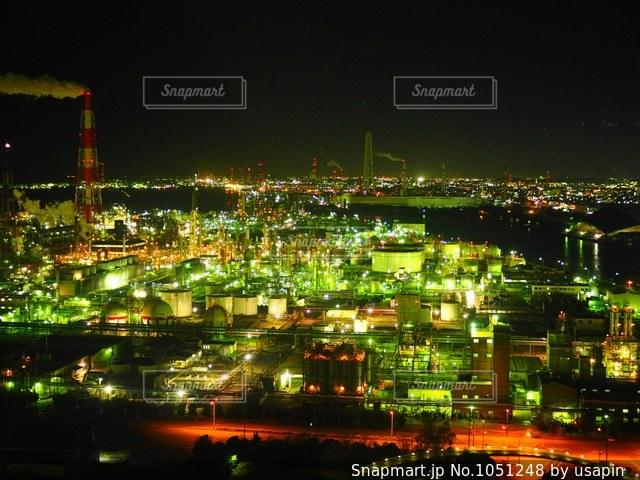 夜の街の景色の写真・画像素材[1051248]