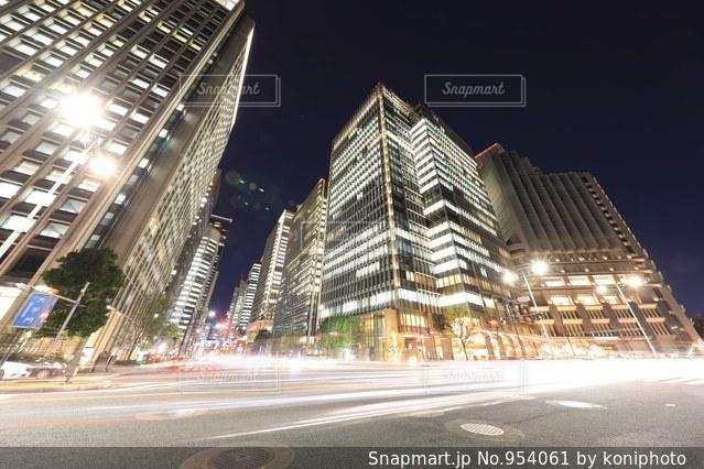 夜の大手門交差点の写真・画像素材[954061]