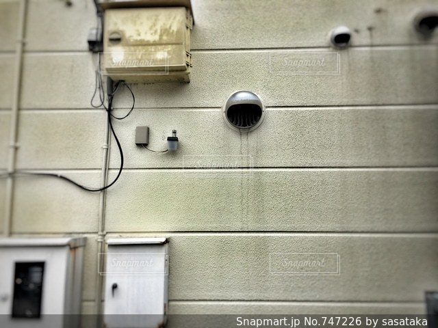 ある建物の壁の写真・画像素材[747226]