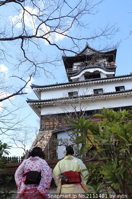 犬山城と着物姿の女性の写真・画像素材[2111481]
