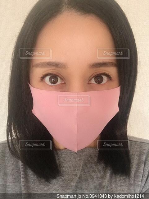 マスク女性 正面の写真・画像素材[3941343]