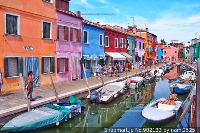 フォトジェニックな町 イタリアのブラーノ島の写真・画像素材[902133]
