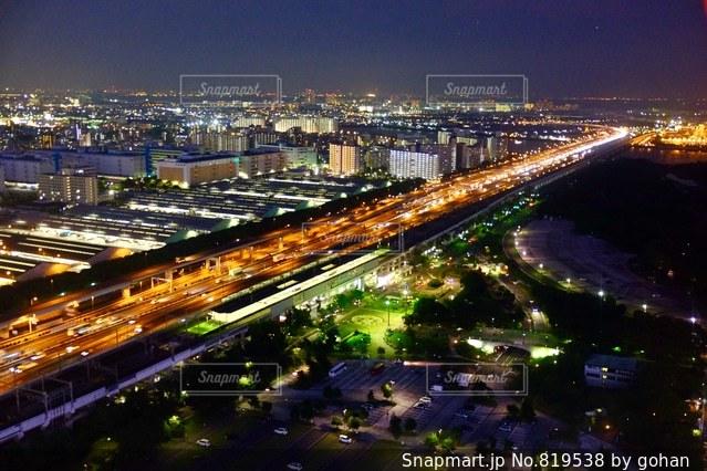 夜の街の景色の写真・画像素材[819538]