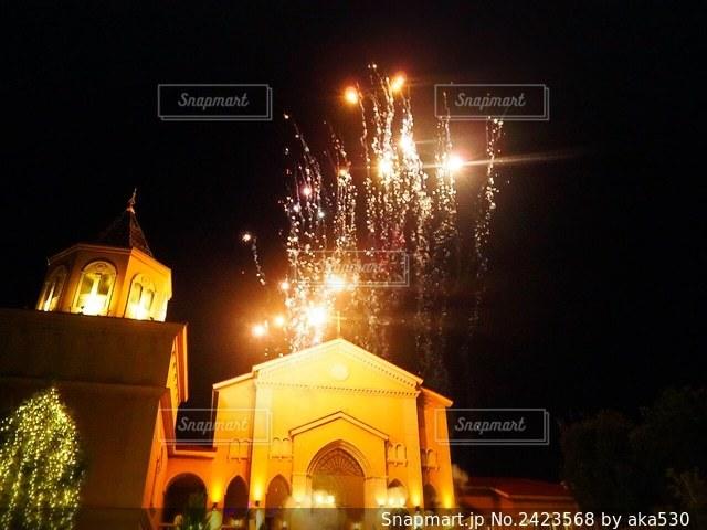 教会と花火🎇の写真・画像素材[2423568]