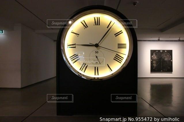 巨大置き時計の写真・画像素材[955472]