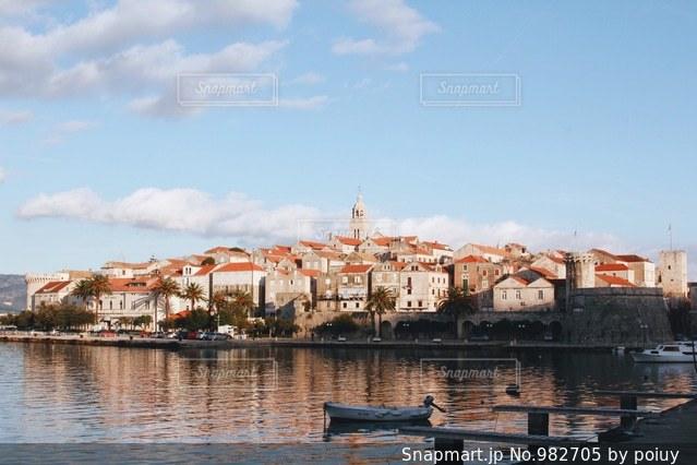 ヨーロッパ旧市街の街並みの写真・画像素材[982705]