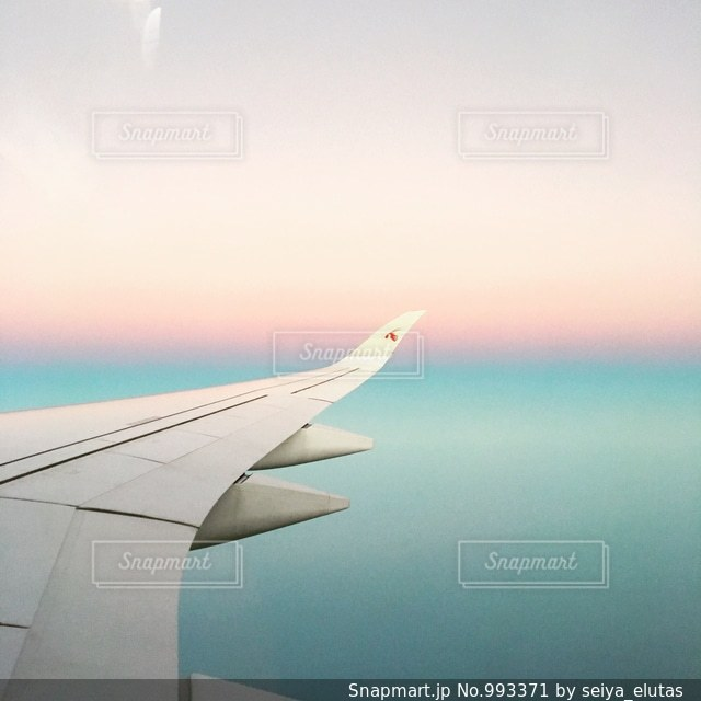 グラデーションが綺麗な空の写真・画像素材[993371]