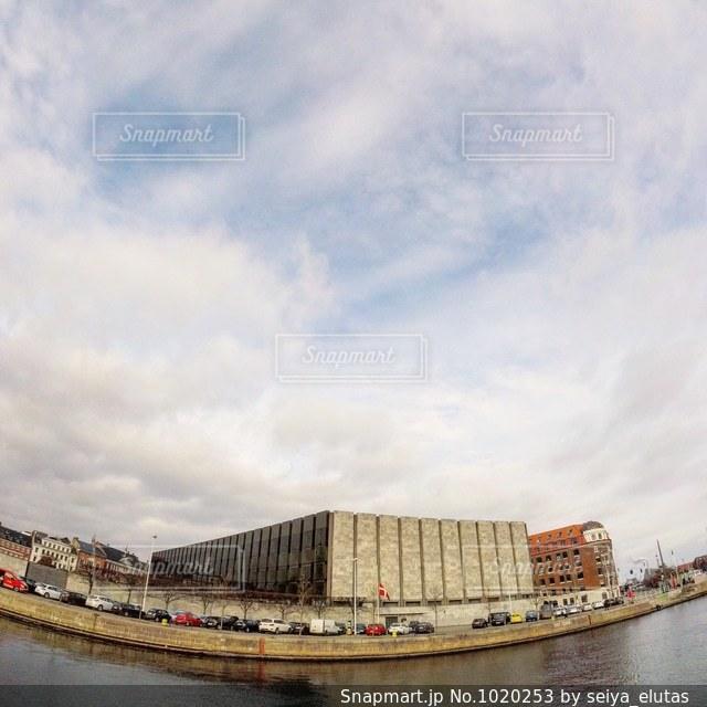 アルネヤコブセンが設計したデンマーク国立銀行🇩🇰の写真・画像素材[1020253]