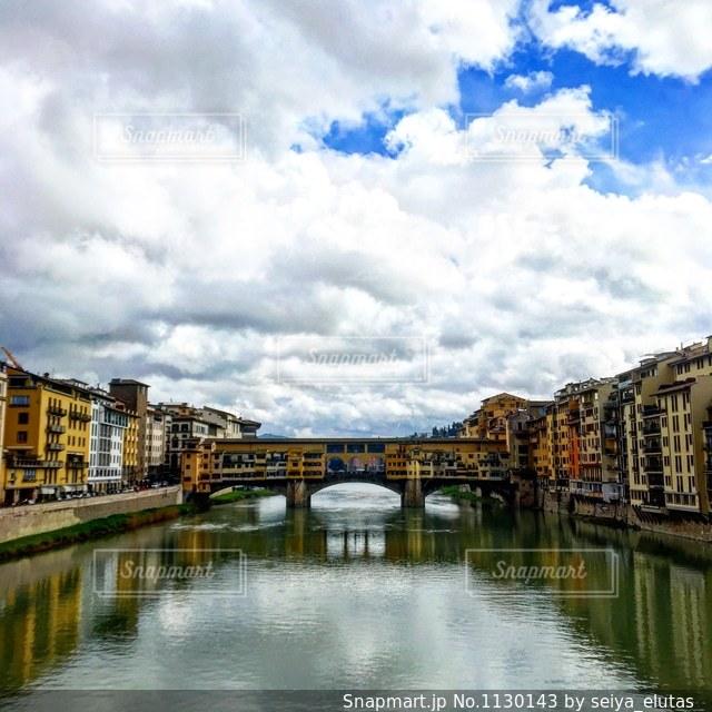 イタリアはフィレンツェのポンテベッキオの写真・画像素材[1130143]