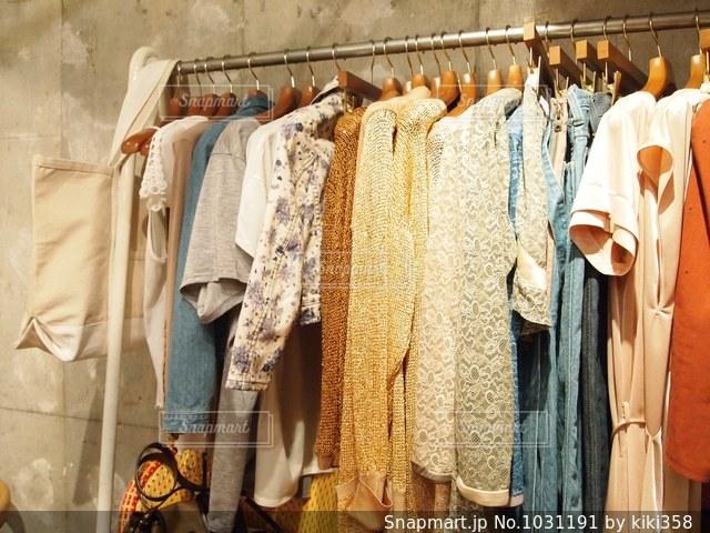 洋服の展示会の写真・画像素材[1031191]