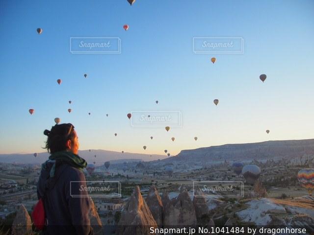 気球が飛んだ日の写真・画像素材[1041484]