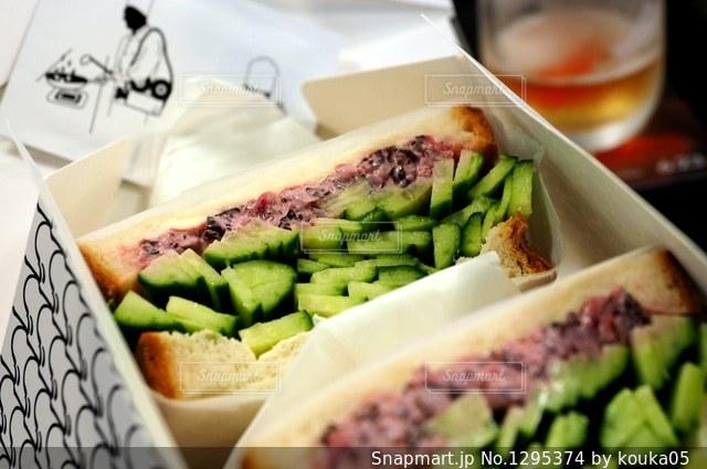 きゅうり3種類盛りのサンドイッチの写真・画像素材[1295374]