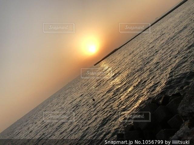 斜めに見る海の写真・画像素材[1056799]