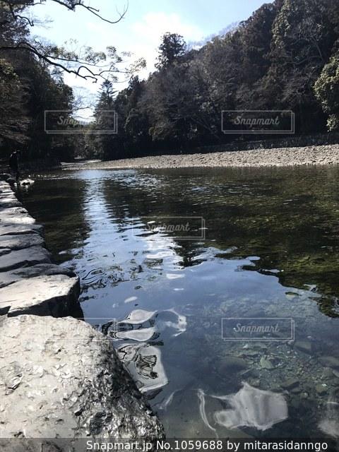 伊勢神宮の内宮の川の写真・画像素材[1059688]