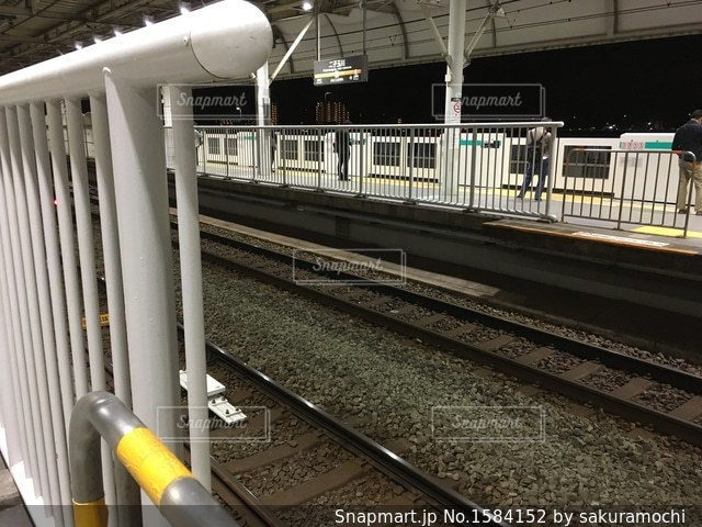 二子玉川駅のホームの写真・画像素材[1584152]