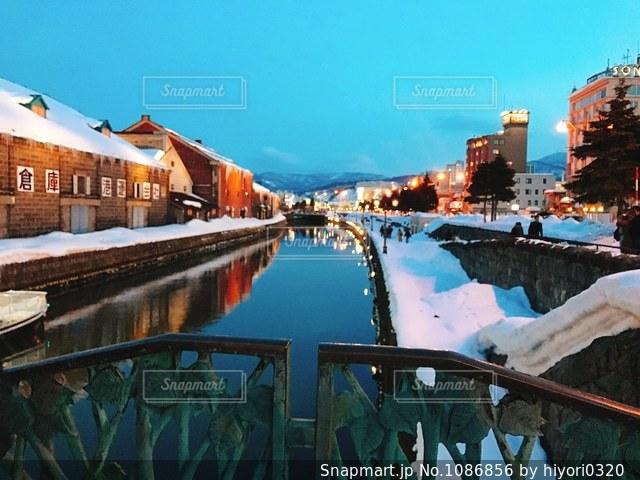 夕暮れの小樽運河の写真・画像素材[1086856]
