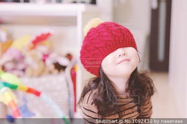 お気に入りの帽子の写真・画像素材[1092430]
