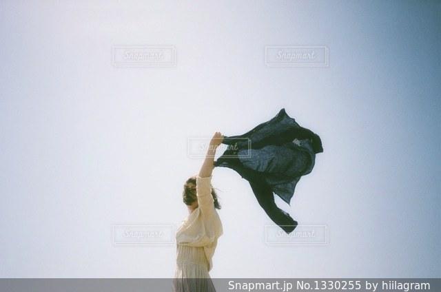 空気中のジャンプの写真・画像素材[1330255]