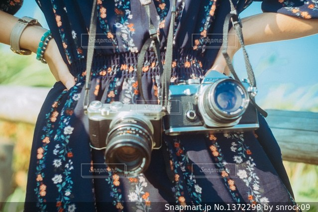 カメラ女子の写真・画像素材[1372298]