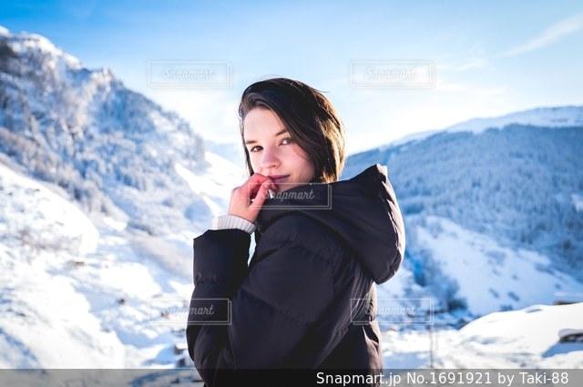 雪山ポートレートの写真・画像素材[1691921]