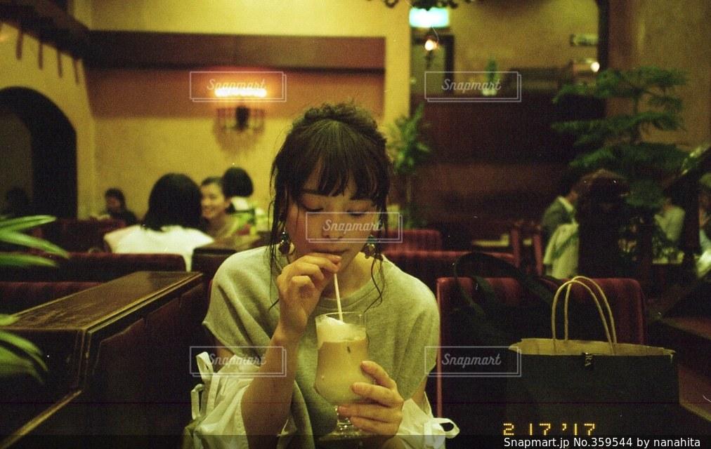 女性,1人,コーヒー,喫茶店,純喫茶