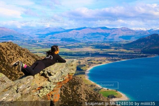 背景の山と水体の写真・画像素材[1248030]