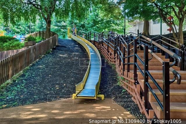 六本木にある長い滑り台。の写真・画像素材[1309400]