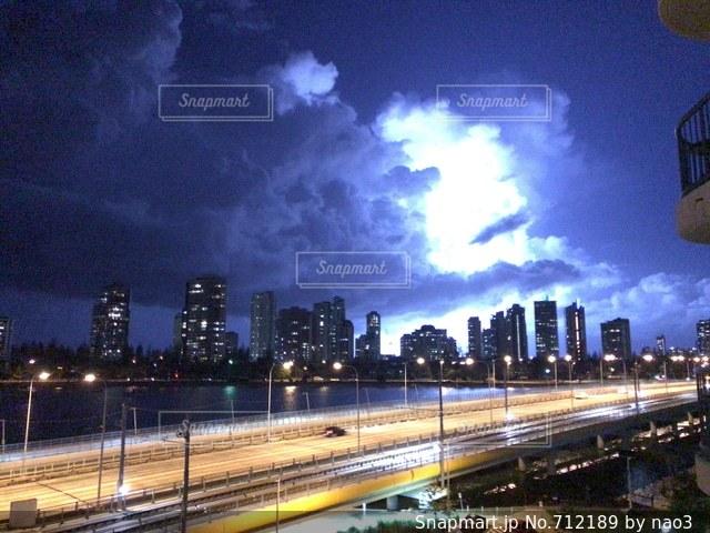 ゴールドコーストシティの雷の写真・画像素材[712189]