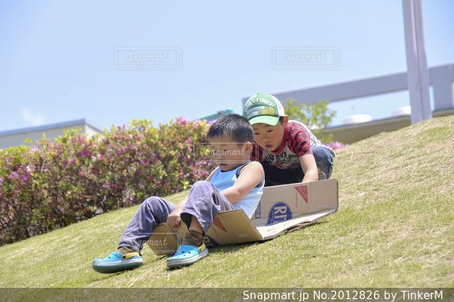楽しい外遊びの写真・画像素材[2012826]