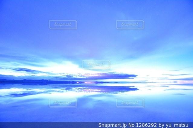 ウユニ塩湖の写真・画像素材[1286292]