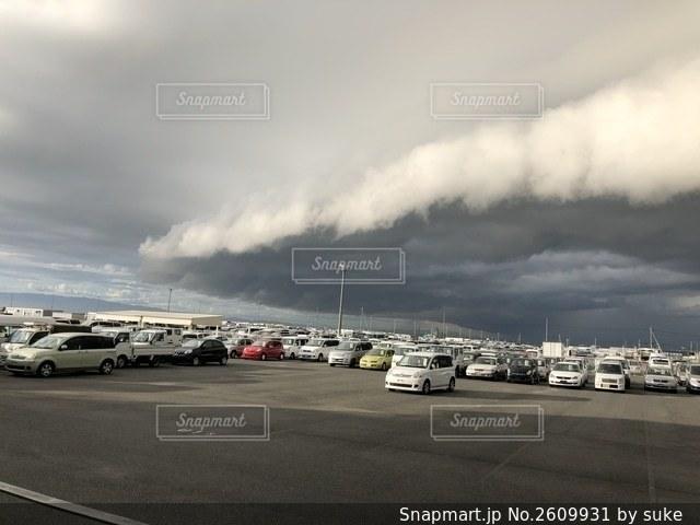 恐怖の雨雲の写真・画像素材[2609931]