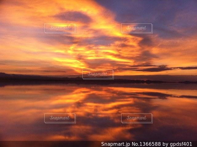 ウユニ塩湖の写真・画像素材[1366588]