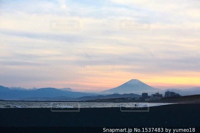 富士山と夕焼けの写真・画像素材[1537483]