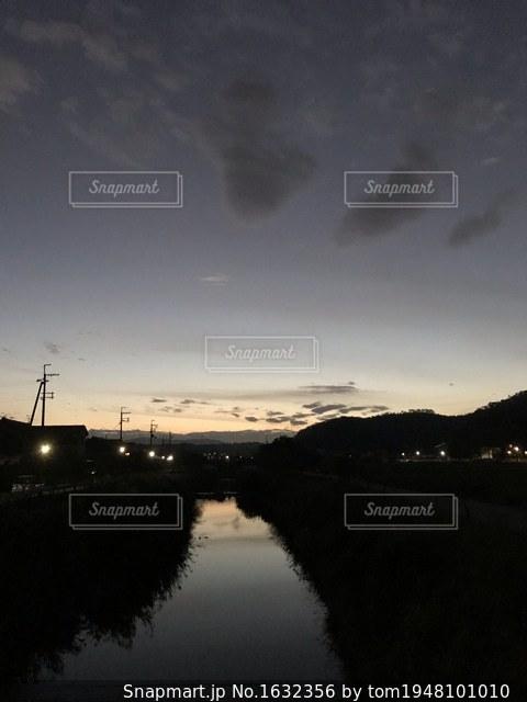 川面の夕映えの写真・画像素材[1632356]
