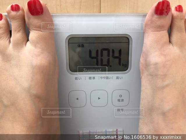 体重測定の写真・画像素材[1606536]