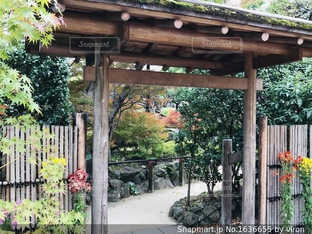 日本庭園の入り口の写真・画像素材[1636655]