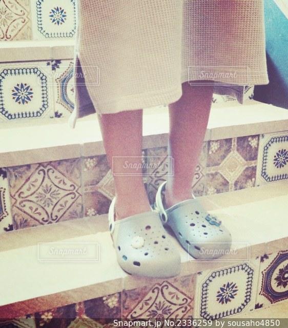 モザイクタイルのかわいい階段の写真・画像素材[2336259]