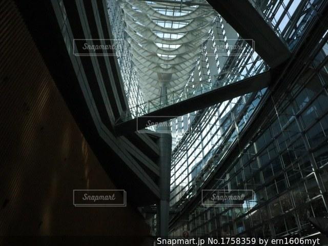建物の内側の写真・画像素材[1758359]